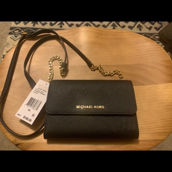 Michael Kors Handbags - Michael Kors Jet Set Travel Purse